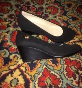 Туфли бархатные 37