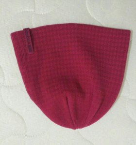 Женская демисезонная шапка