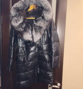 Продам зимнее кожаное пальто с натуральным мехом
