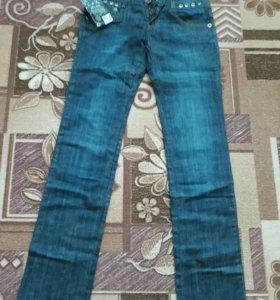 Новые джинсы женские.