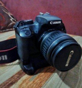 Canon 1000D Kit + батарейная ручка