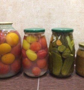 Маринованные помидоры с чесн-м,огурцы,грибная икра