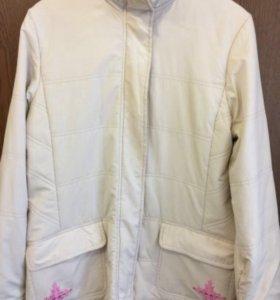 Куртка женская 48/50 размер