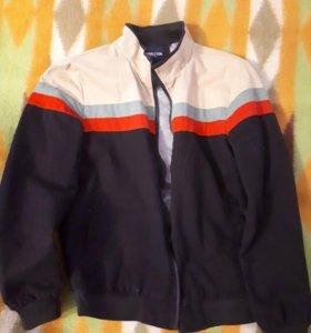 Куртка на мальчика, новая