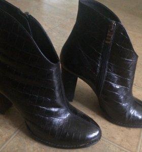 Продам ботиночки фирмы El tempo.