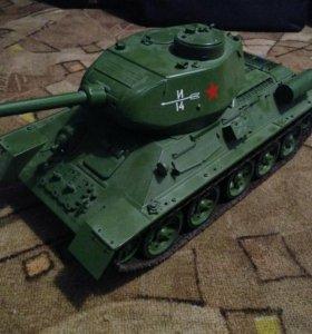Коллекционная модель танка Т-34-85