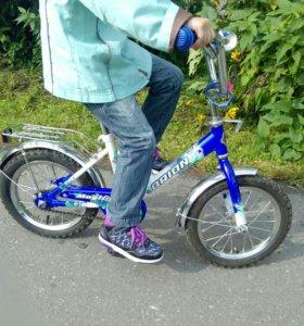 велосипед от 3-5 лет С РУЧКОЙ колеса14д