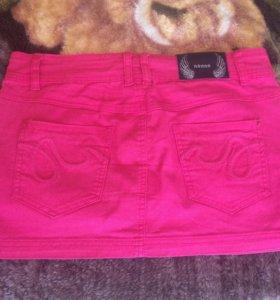Юбка джинсовая. Цвет малиновый.