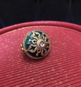 Золотое кольцо. Кольцо с бриллиантами.
