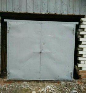 Гаражные ворота 1800 * 2000