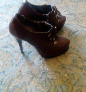Туфли в хорошем состоянии, почти новые