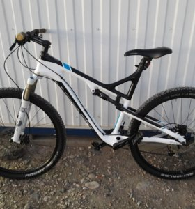 TREK SUPERFLY 100 carbon.