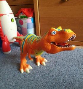 Тиранозавр Рекс (из мультика Поезд Динозавров)