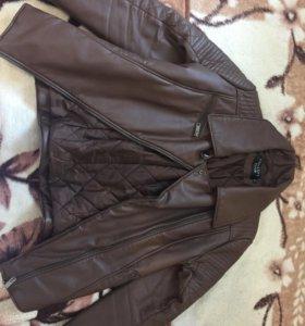 Куртка с подкладом из искусственной кожи