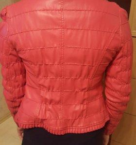 Кожаный пиджак б/у .размер 44