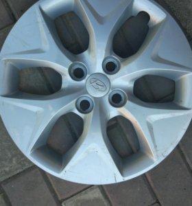 Зимние шины с дисками и колпаками