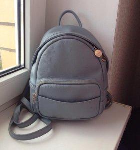 Стильный маленький рюкзак