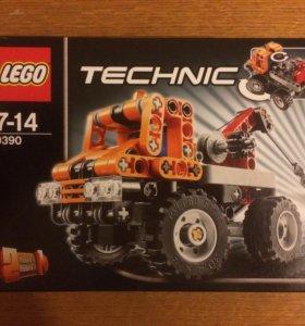 Lego Technic 9390 Mini Tow Truck