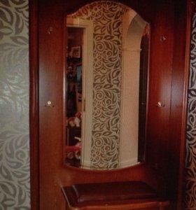 Шкаф в коридор, резной, с подсветкой