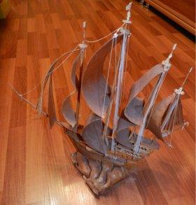 Модель корабля из дерева