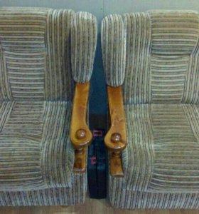 Комплект мягкой мебели (диван,два кресла)