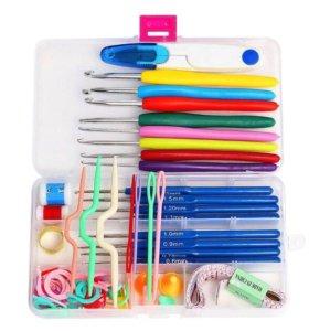 Новый набор крючков для вязания в коробочке