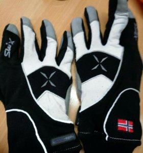 Зимние лыжные перчатки Swix