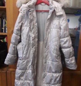 Теплое зимнее пальто на 9-12 лет.