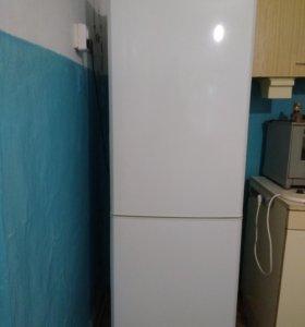холодильник Samsung, двухкамерный (NO FROST)