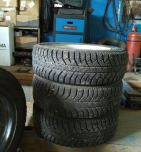 Bridgestone Ice Cruiser 7000 175/65 R14
