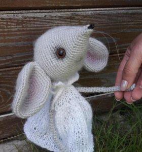 Вязаная игрушка Мышка Сонечка
