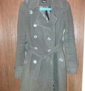 Женское пальто р.42