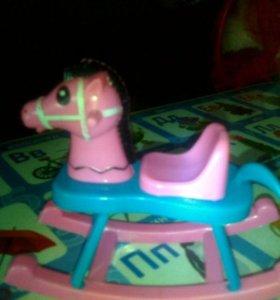 Лошадка качалка для кукол
