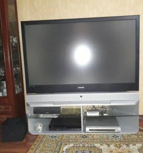 Проекционный телевизор.