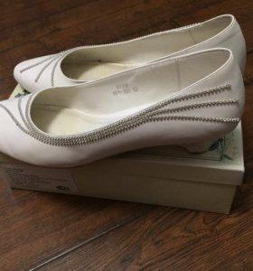 Белые туфли 42 - 43