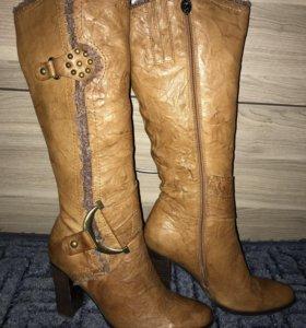 Новые кожаные сапожки 38