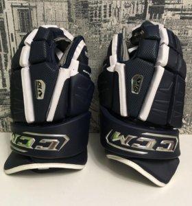 Хоккейные перчатки Краги CCM