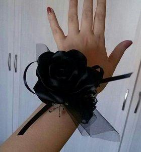 Бутоньерка на руку браслет