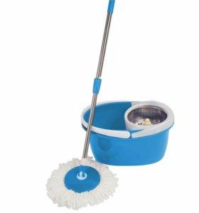Швабра с центрифугой для влажной уборки.