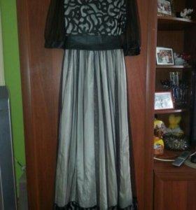 Продам платье, одето один раз, возможно торг.