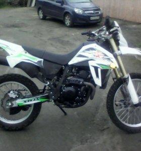 Мотоцикал Stels 400
