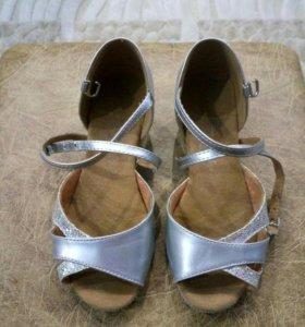 Туфли для бальных танцев 28р