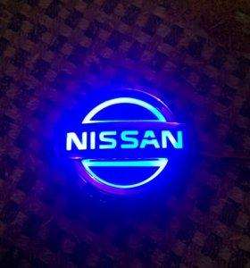 Значок Nissan