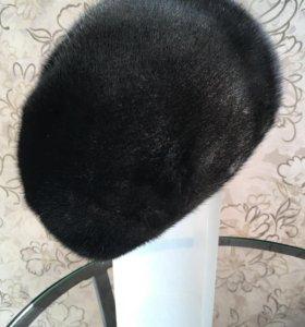 Шапка женская норковая в отличном состоянии