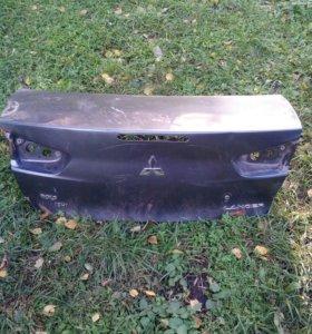 Крышка багажника ланцер 10