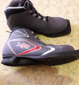 Лыжные ботинки 36 р-р.