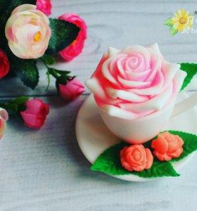 Роза в чашке