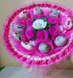 Букеты ручной работы из игрушек, конфет и чая