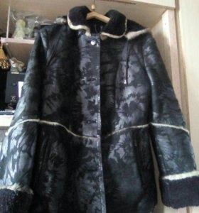 Продаю куртку теплую на меху