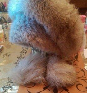 Шапочка из вязаной норки с песцом